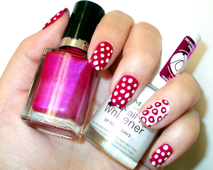 Pink white polka dots nail art promakeupme i started off with a clear base coat 2 layers of colour i chose a cerise pink as my main colour and did my ringfinger nails accent nails in white prinsesfo Image collections