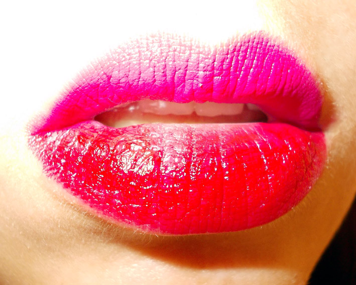 Two Tone Lips and Nails – PROMAKEUPME