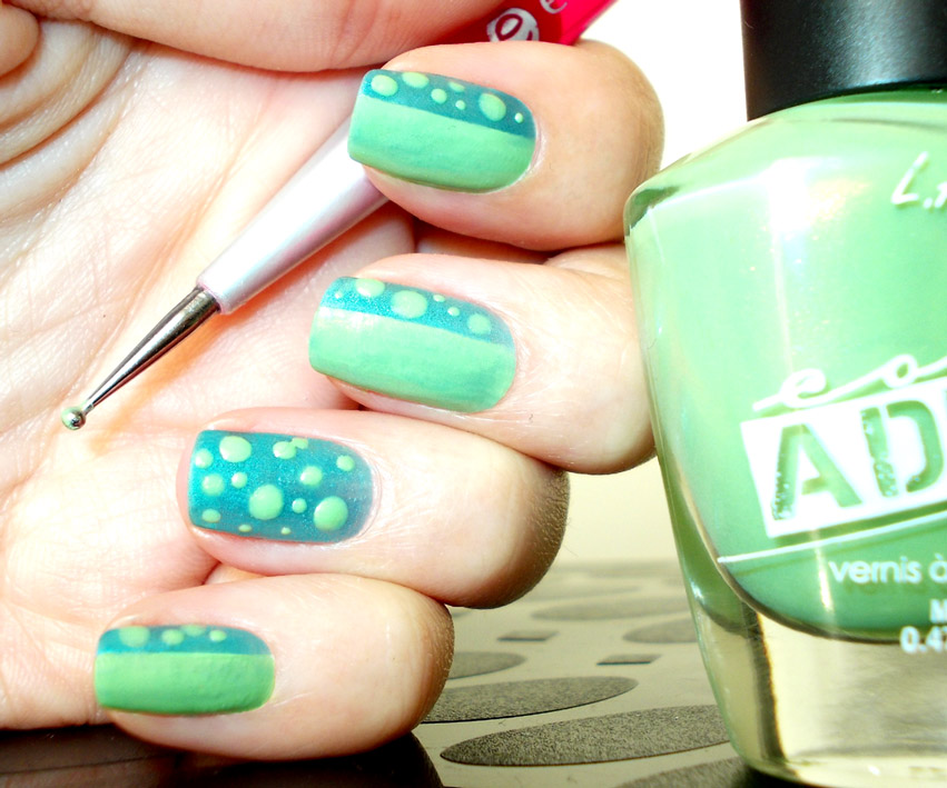Gifappeltjie teal green dotted nail art promakeupme and i can see myself trying it with other colour combinations prinsesfo Gallery